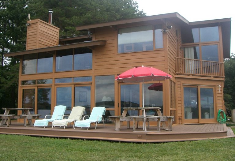 New! Pop's Lake House